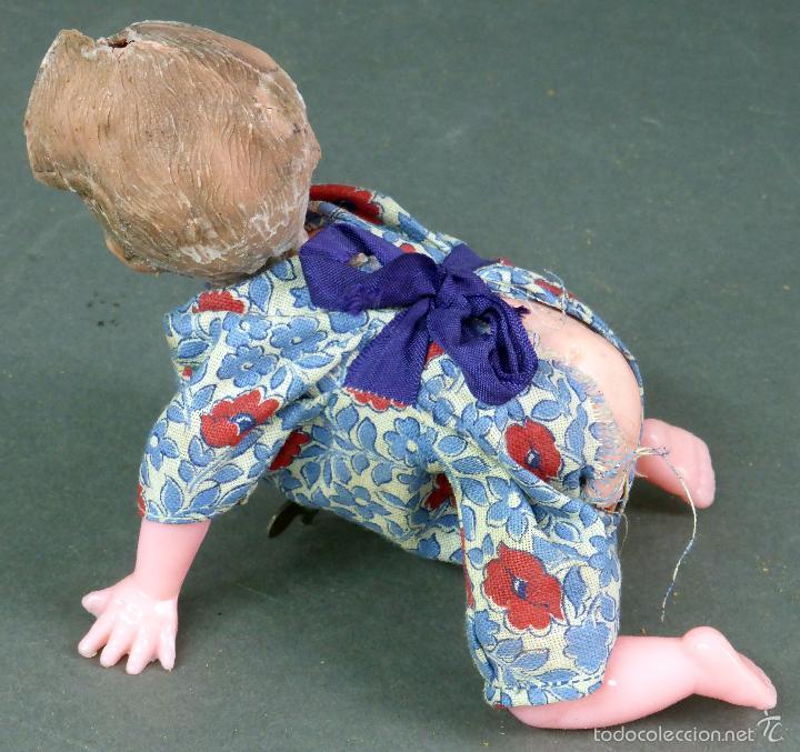 Muñecas Celuloide: Bebé gateador a cuerda celuloide roto para piezas desgüace años 50 No funciona - Foto 3 - 58670055