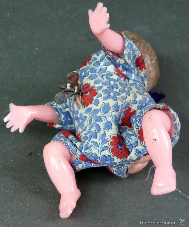 Muñecas Celuloide: Bebé gateador a cuerda celuloide roto para piezas desgüace años 50 No funciona - Foto 4 - 58670055