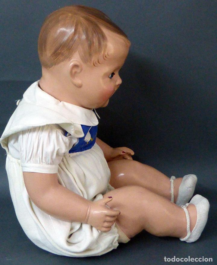 Muñecas Celuloide: Bebé celuloide con cuerpo trapo ojos fijos tamaño grande ropa original años 30 61 cm alto - Foto 7 - 89748032