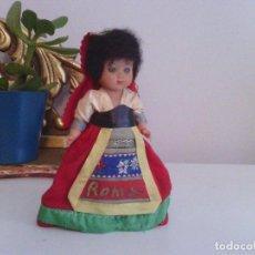 Muñecas Celuloide: MUÑECA CON TRAJE TRADICIONAL ROMA - CELULOIDE O PLASTICO DURO. Lote 99139939