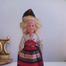 Muñecas Celuloide: MUÑECA EN TRAJE TRADICIONAL - CELULOIDE O PLASTICO DURO. Lote 99140767