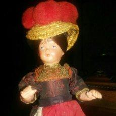 Muñecas Celuloide: PRECIOSA MUÑECA ALEMANA CON MARCA EN EL CUELLO PRECIOSO ATUENDO DE CALIDAD AÑOS 60.CELULOIDE. Lote 118653294