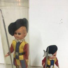 Muñecas Celuloide: MUÑECO SOLDADO GUARDIA SUIZA VATICANO PLASTICO DURO O CELULOIDE 15 CM RECUERDO DE ROMA. Lote 112162311