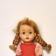 Muñecas Celuloide: ANTIGUA MUÑECA AÑOS 60 ARTICULADA CON GOMAS CELULOIDE. Lote 147711134