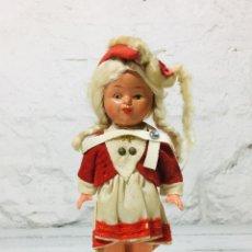 Muñecas Celuloide: MUÑECA ALEMANA DE CELULOIDE O SIMILAR CON TRAJE TRADICIONAL AÑOS 60 MADE IN GERMANY. Lote 148059526