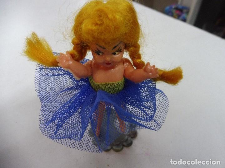 Muñecas Celuloide: Muñeca celuloide plástico duro articulada bailarina con base falda y corpiño de tul - Foto 3 - 160596890