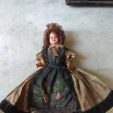 Muñecas Celuloide: ANTIGUA MUÑECA DE CELULOIDE VESTIDO ÉPOCA. Lote 162124386