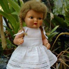 Muñecas Celuloide: ANTIGUA MUÑECA DE CELULOIDE CON PELO MOHAIR. Lote 196203328