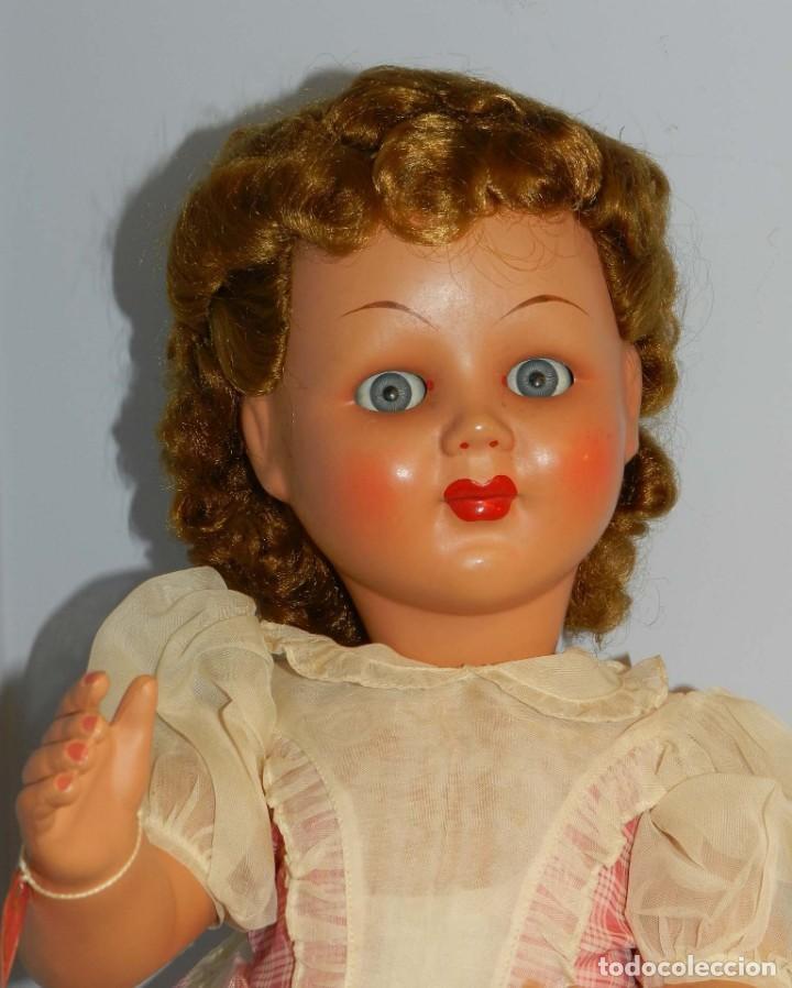 Muñecas Celuloide: Impecable muñeca italiana,MI GLIORATI años 40, lleva la etiqueta colgada en la man - Foto 2 - 197873172