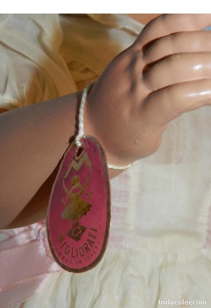 Muñecas Celuloide: Impecable muñeca italiana,MI GLIORATI años 40, lleva la etiqueta colgada en la man - Foto 3 - 197873172