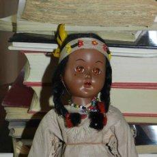 Muñecas Celuloide: ANTIGUA MUÑECA INDIA CON TRAJE SIMIL CUERO, TIPO GEYPERMAN, REALIZADA EN CELULOIDE, GRAN CALIDAD, OJ. Lote 209654636