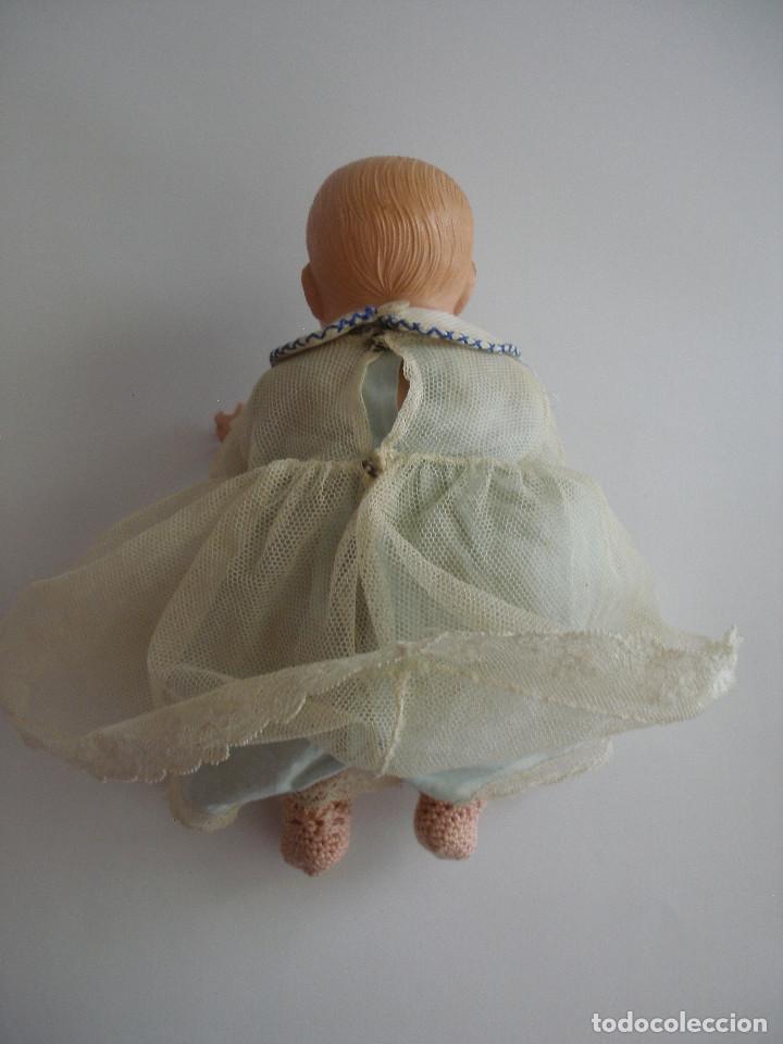 Muñecas Celuloide: Antiguo muñeco bebé celuloide fino cáscara de huevo ropa original Deposé Francia años 20 - Foto 4 - 217536478