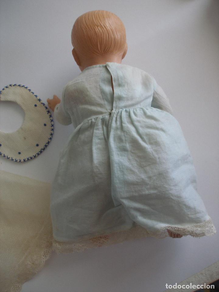 Muñecas Celuloide: Antiguo muñeco bebé celuloide fino cáscara de huevo ropa original Deposé Francia años 20 - Foto 10 - 217536478