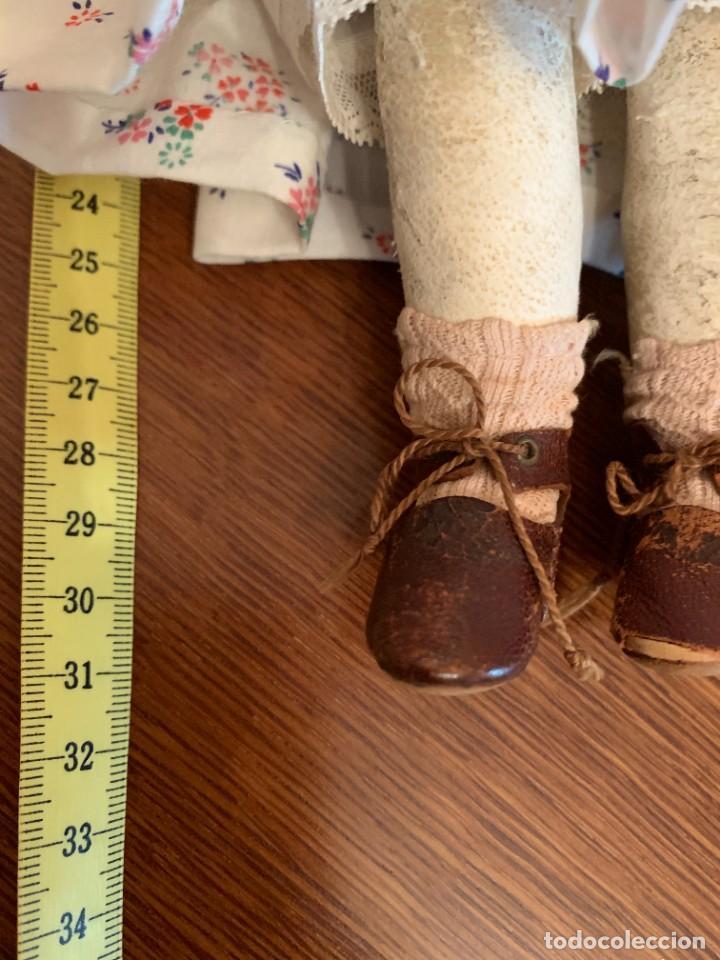 Muñecas Celuloide: Muñeca Kammer & Reinhardt, cuerpo de piel de cabritilla. 30 cms. Ojos durmientes. Años 1920. - Foto 16 - 224533570