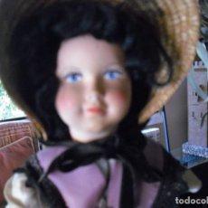 Muñecas Celuloide: MUÑECA CELULOIDE , AÑOS 50-60 TODA DE ORIGEN, VESTIDO Y DELANTAL DE SEDA, 40 CMS GOMAS FLOJAS. Lote 233095295