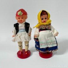Muñecas Celuloide: ANTIGUAS MUÑECAS GRIEGAS DE CELULOIDE Y OJOS DURMIENTES GRECIA TRAJE TÍPICO REGIONAL. Lote 253659785