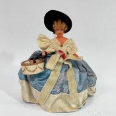 Bonecas Celuloide: ANTIGUA MUÑECA DE CELULOIDE TÍPICA DE PARÍS. Lote 256149700
