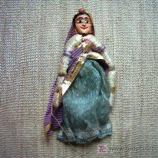 Muñecas Composición: ANTIGUO TITERE. INDIA. CARA EN MADERA Y VESTIDOS EN BELLAS TELAS. 40 CM. . Lote 26601576