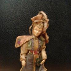 Muñecas Composición: MUÑECO ANTIGUO DE ALAMBRE FORRADO DE TELA CON CABEZA DE PASTA DURA. Lote 23057751