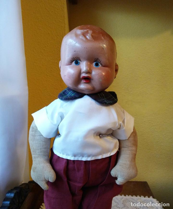 Muñecas Composición: Antigua muñeca de composición y tela. 40 cmtrs. - Foto 3 - 107105351