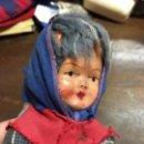 Muñecas Composición: ANTIGUA MUÑECA DE CARTON PIEDRA - MEDIDA 20 CM - LE FALTA UNA PIERNA - VER FOTOS ADICIONALES. Lote 120961995