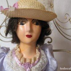 Muñecas Composición: ANTIGUA MUÑECA DE COMPOSICION SALON BOUDOIR / ANTIQUE FRENCH BOUDOIR BED DOLL 59 CM.. Lote 152203210