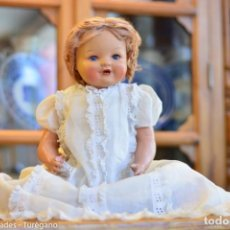 Bonecas Composição: MUÑECA ANTIGUA DE COMPOSICIÓN - MARCA EN NUCA SV AÑOS 40, 58 CM - PROMINENTES OJOS AZULES DURMIENTES. Lote 161885358