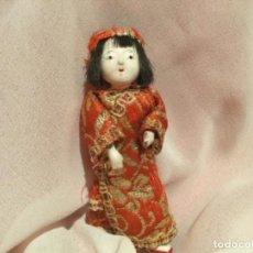 Muñecas Composición: MUÑECO JAPONÉS MINIATURA ARTICULADO. Lote 194971482