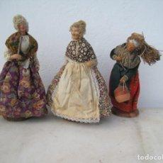 Muñecas Composición: TRES ANCIANAS ANTIGUAS DE TERRACOTA. EN FRANCIA LLAMADOS (SANTONES) 25,20,23 CM.. Lote 243608630