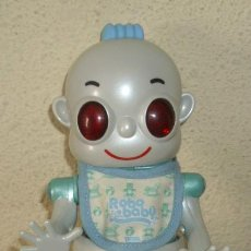 Muñecas Españolas Modernas: ROBO BABY DE TIGER,HASBRO,NIÑO,FUNCIONANDO. Lote 230803260