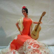 Muñecas Españolas Modernas: ANTIGUA MUÑECA MARIN - FLAMENCA SENTADA CON GUITARRA - CHICLANA. Lote 52877600