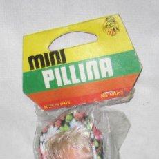 Muñecas Españolas Modernas: MINI PILLINA FLOREADA,JOSÉ QUILIS(SILQUI),BOLSA ORIGINAL,A ESTRENAR. Lote 24902743