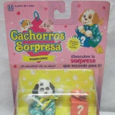 Muñecas Españolas Modernas: CACHORROS SORPRESA,DÁLMATA,DORMILONES,HASBRO,BLISTER,AÑO 1993,A ESTRENAR. Lote 25230806
