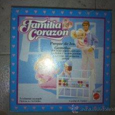 Muñecas Españolas Modernas: FAMILIA CORAZON ACCESORIOS. Lote 25733291