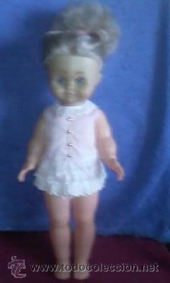 Muñecas Españolas Modernas: Muñeca de los años 70, rubia con ropa original.No tiene marca.Tiene chillón - Foto 2 - 31852084