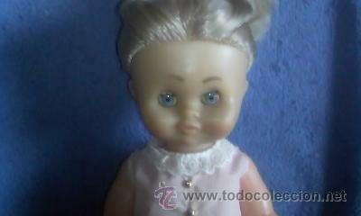 Muñecas Españolas Modernas: Muñeca de los años 70, rubia con ropa original.No tiene marca.Tiene chillón - Foto 3 - 31852084