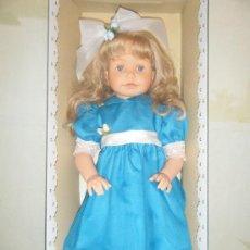 Muñecas Españolas Modernas: BELLISIMA MUÑECA ELIA DE LA CASA MIEL DE ABEJA DEL AÑO 2001. Lote 32582611