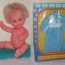 Muñecas Españolas Modernas: LOTE BABY MOCOSETE DE TOYSE + TRAJECITO EN CAJA --- AÑOS 70.. Lote 40294943