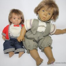 Muñecas Españolas Modernas: LOTE DE 2 MUÑECOS DE TRAPO Y PLÁSTICO - AÑOS 70/80. Lote 41844305