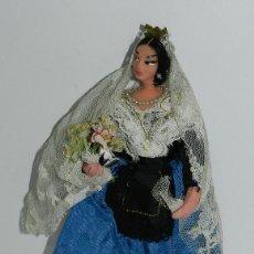 Muñecas Españolas Modernas: MUÑECA CON TRAJE REGIONAL, REALIZADA EN PLASTICO, MIDE 20 CMS.. Lote 43856929