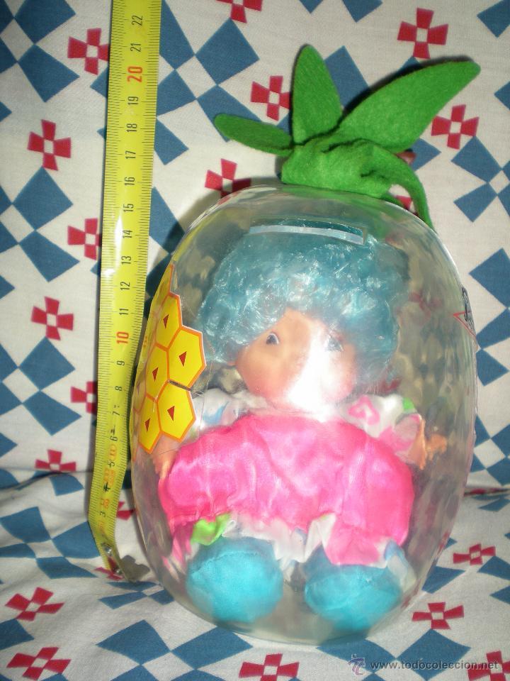 Muñecas Españolas Modernas: bonita hucha piña con muñeca dentro marca jesmar años 80 nada de uso!!. - Foto 2 - 45031207