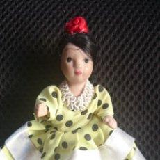 Muñecas Españolas Modernas: MUÑECA DE PORCELANA VESTIDA DE FLAMENCA. Lote 45540257