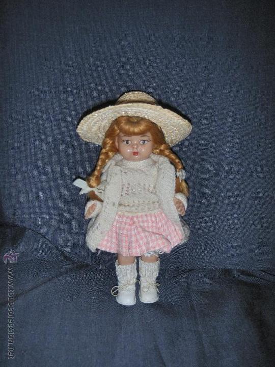 MUÑECA DE CELULOIDE O PLASTICO DURO (Juguetes - Otras Muñecas Españolas Modernas)