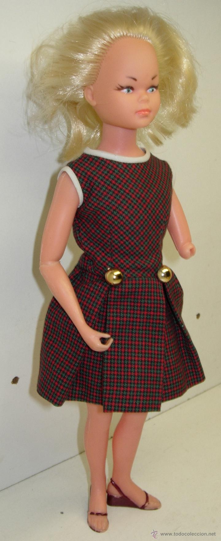 Muñecas Españolas Modernas: Muñeca LAURA MANIQUI BOUTIQUE de Novo-Gama Novogama años 60 con caja y patrones - Foto 7 - 195337032