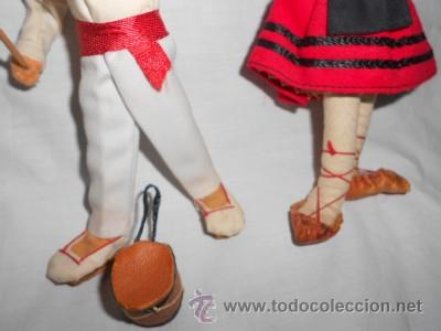 Muñecas Españolas Modernas: PAREJA DE MUÑECOS DE FIELTRO REGIONALES, DANZAS POPULARES NAVARRAS - Foto 3 - 49699153