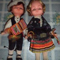 Muñecas Españolas Modernas: PAREJA DE MUÑECOS EN TRAJE REGIONAL MANCHEGO ARTESANÍA REGINA ALBACETE MIDEN 30 CM. MANCHA. Lote 50537019