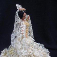 Muñecas Españolas Modernas: MUÑECA FLAMENCA LOLA TRAJE REGIONAL SEVILLANA MARÍN CHICLANA. Lote 108719528