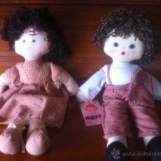 Muñecas Españolas Modernas: BONITA PAREJA MUÑECOS TELA AÑOS SETENTA , MOPEC. Lote 50760438
