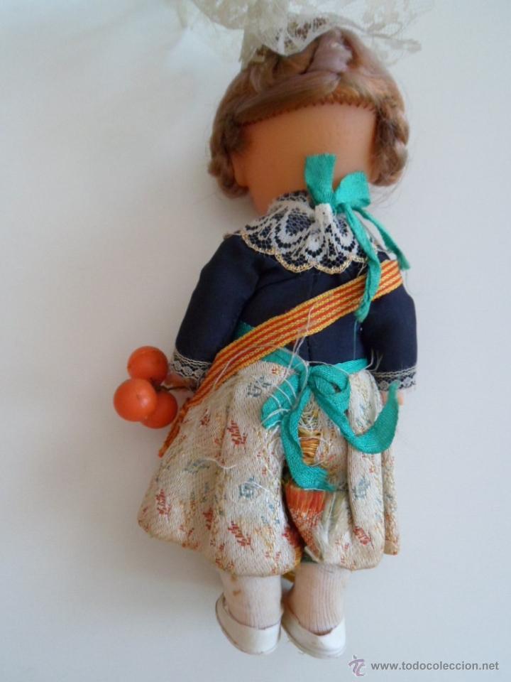 Muñecas Españolas Modernas: ANTIGUA MUÑECA CON TRAJE REGIONAL DE FALLERA VESTIDO TRADICIONAL VALENCIANA SPAIN. . - Foto 4 - 51304648