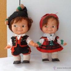 Muñecas Españolas Modernas: PAREJA DE MUÑECOS PINCHITOS DE BERJUSA REGIONALES AÑOS 70. Lote 51587166